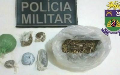 Policial militar de folga flagra homem com drogas em ônibus interestadual