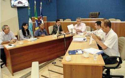 Comissão dá início à licitação de empresa que realizará concurso