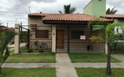 Alugo casa no Santos Dumont II