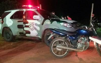 Moto furtada é encontrada na frente de casa de show no bairro Jardim Alvorada