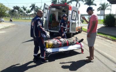 Na contramão, jovem provoca acidente no bairro Interlagos
