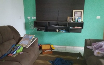 Residência é furtada e ladrões levam aparelhos eletrônicos e até brinquedos
