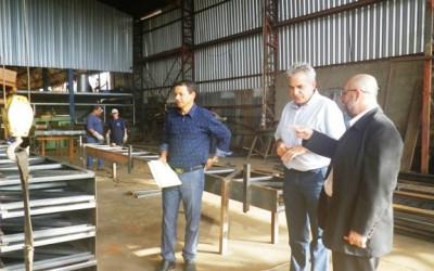 Vereadores inspecionam fábrica que solicita terreno em Três Lagoas