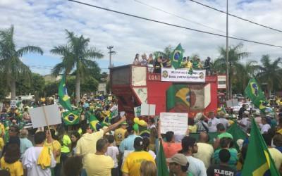 Manifestação Reaja Brasil levou centenas de pessoas às ruas de Três Lagoas