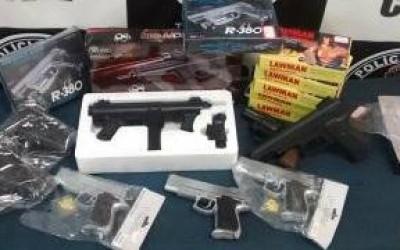 SIG realiza operação e apreende armas de brinquedos no Shopping Popular