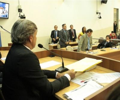Vereadores aprovam novos critérios para crédito adicional e para uso de área pública