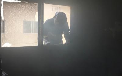 Mãe e filhas escapam da morte e são retiradas de incêndio