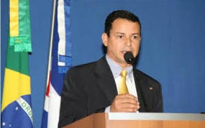 Vereador concede títulos de cidadãos e moções de congratulação