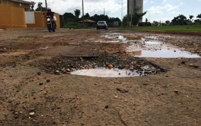 Buracos na Lagoa Maior: Prefeitura não tem previsão de retomar recapeamento