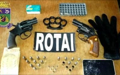 Imagens no celular entregam jovem que acaba preso em flagrante por porte de arma