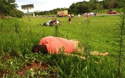 Homem é arremessado por mais de 25 metros em acidente