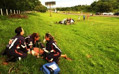 Jovens que estavam em Peugeot sobrevivem e um deles é preso pela PRF