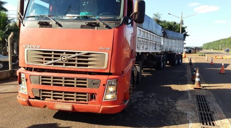 PRF apreende 100 quilos de pasta base de cocaína em caminhão