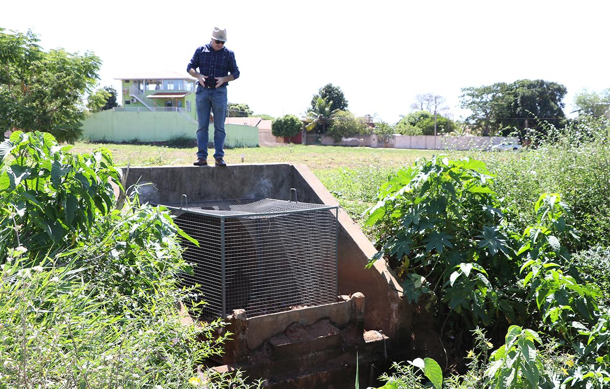 SEMEA instala cestos de contenção na Segunda Lagoa para prevenir poluição e contaminação do leito