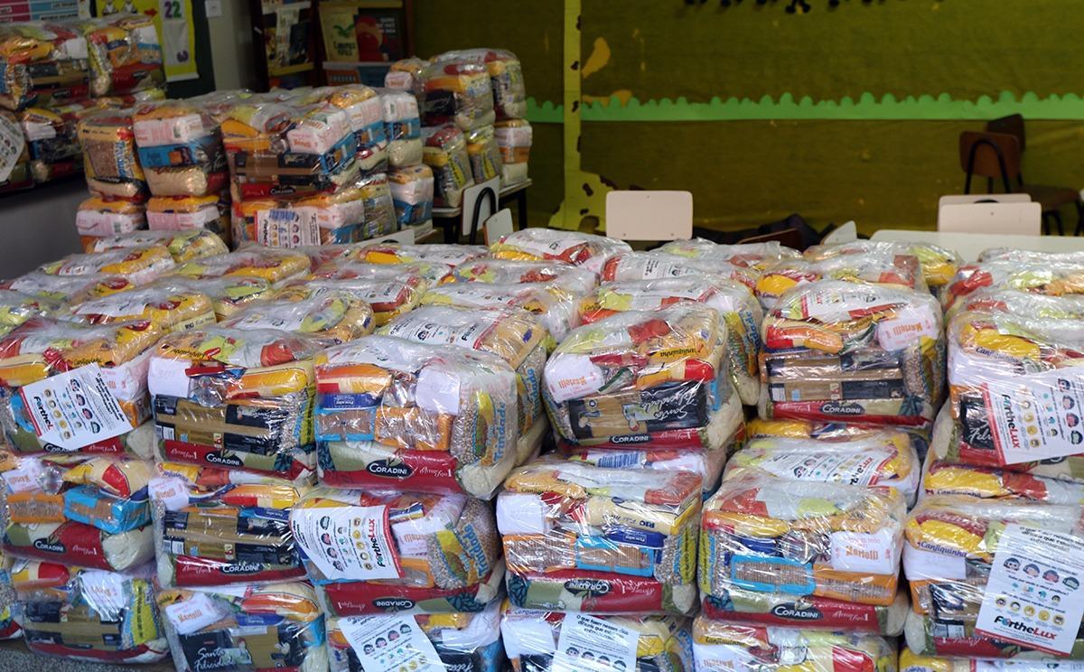 Entrega dos Kits Alimentação e Hortfrúti aos alunos da Rede Municipal começa hoje e vai até 6º feira