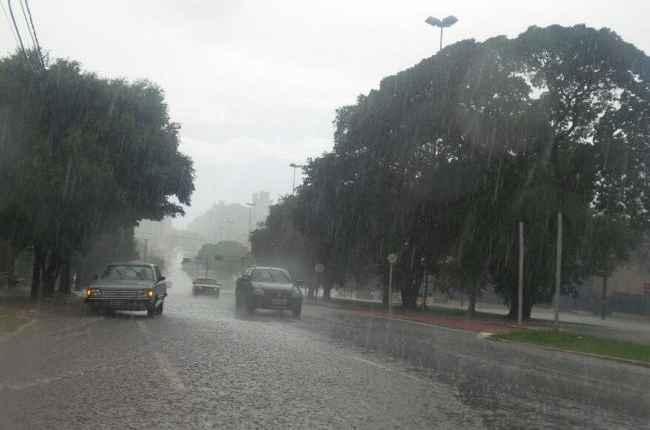 Cidades de MS têm alerta de perigo para chuva com ventos de até 60 km/h