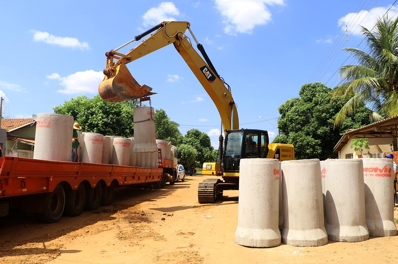 Prefeitura assume e dá continuidade nas obras de Drenagem e Asfalto do Jardim Dourados