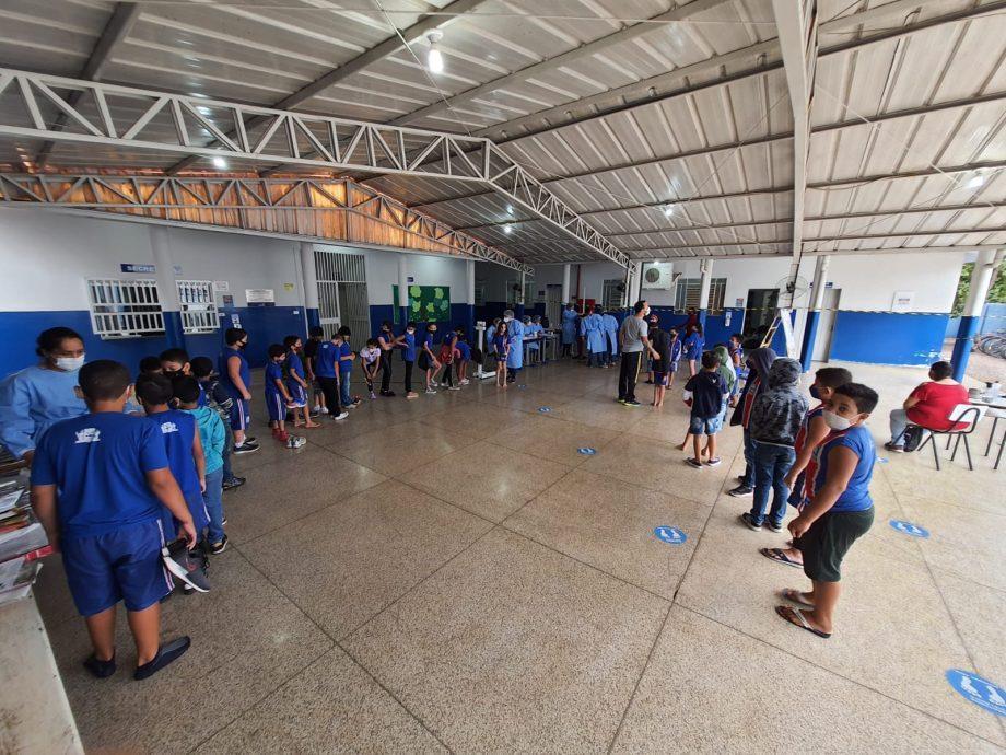 """Alunos da Escola Municipal """"Gentil Rodrigues Montalvão"""" recebem atendimento"""