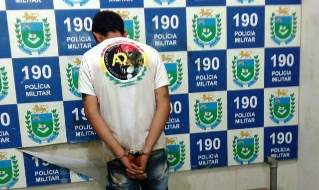Ao tentar prender foragido, ROTAI detém usuário de drogas no Jd. Atenas